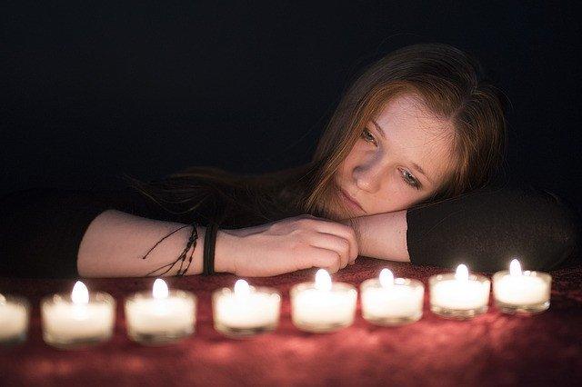 Горевание после смерти близкого: стадии и советы психолога