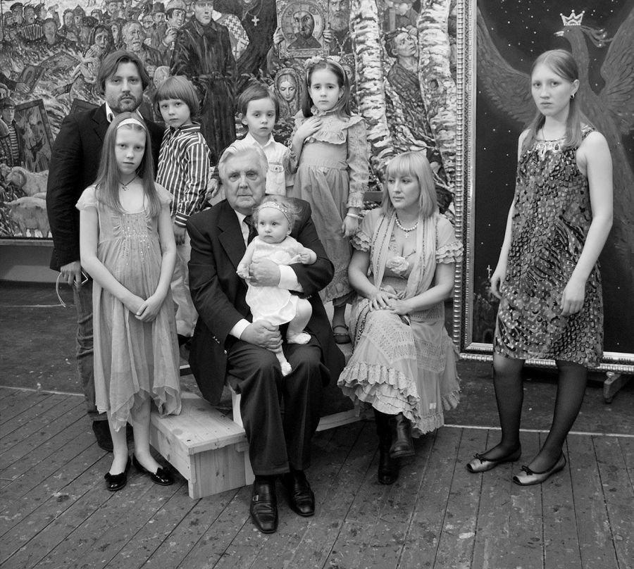 Глазунов Илья и его семья