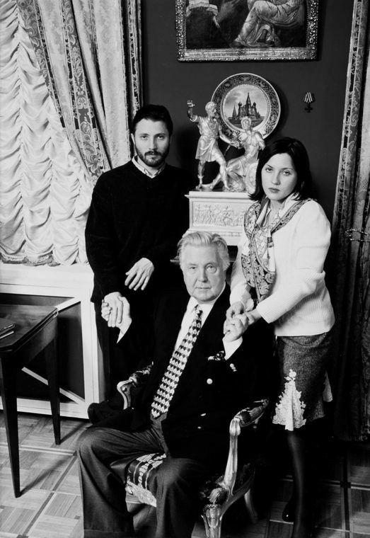 Глазунов Илья с детьми Иваном и Верой