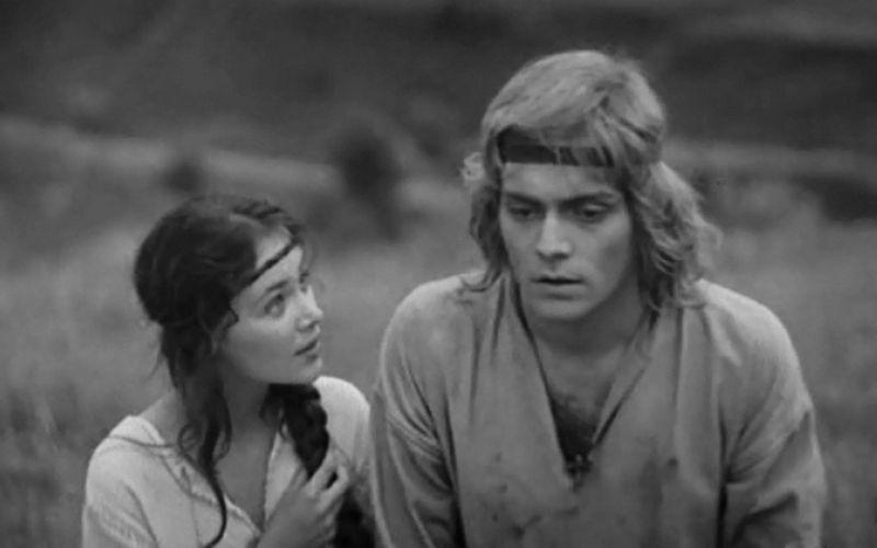 Ольга Белявская и Андрей Харитонов (кадр из фильма «Ярослав Мудрый»)