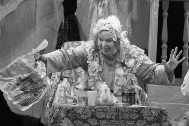 Иза Высоцкая в театре
